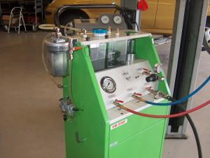 Airco systeem spoelen is noodzakelijk bij airco compressor schade